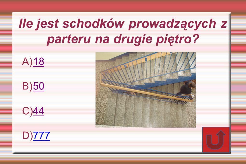 Ile jest schodków prowadzących z parteru na drugie piętro? A) 18 18 B) 50 50 C) 44 44 D) 777 777