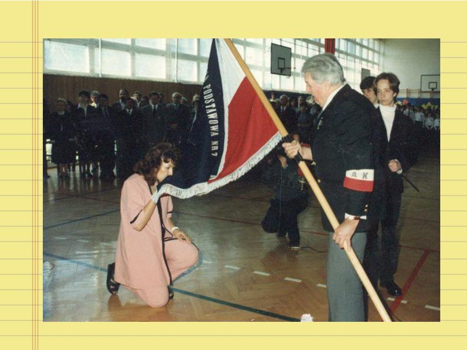 25 lat minęło 1 września 1986r. nasza szkoła rozpoczęła swoją działalność. Przez te 25 lat utrzymała wysoki poziom nauczania, kultywując tradycje patr