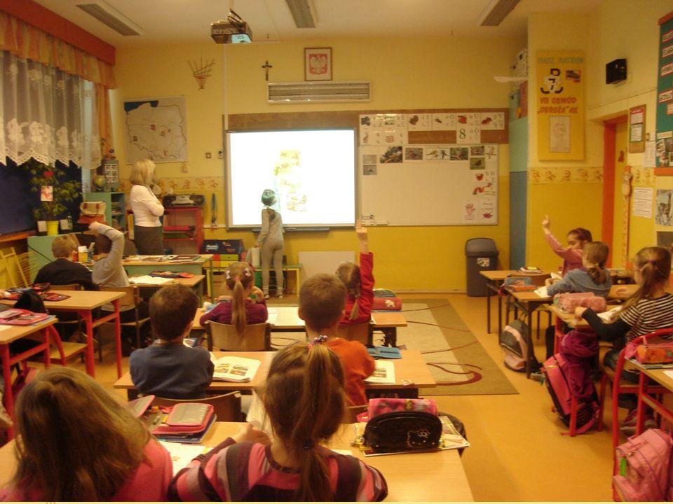 Ucząc ku przyszłości Bierzemy udział w programie Szkoła z klasą 2.0 mającym na celu rozwijanie nauczania poprzez wykorzystanie zasobów informatycznych