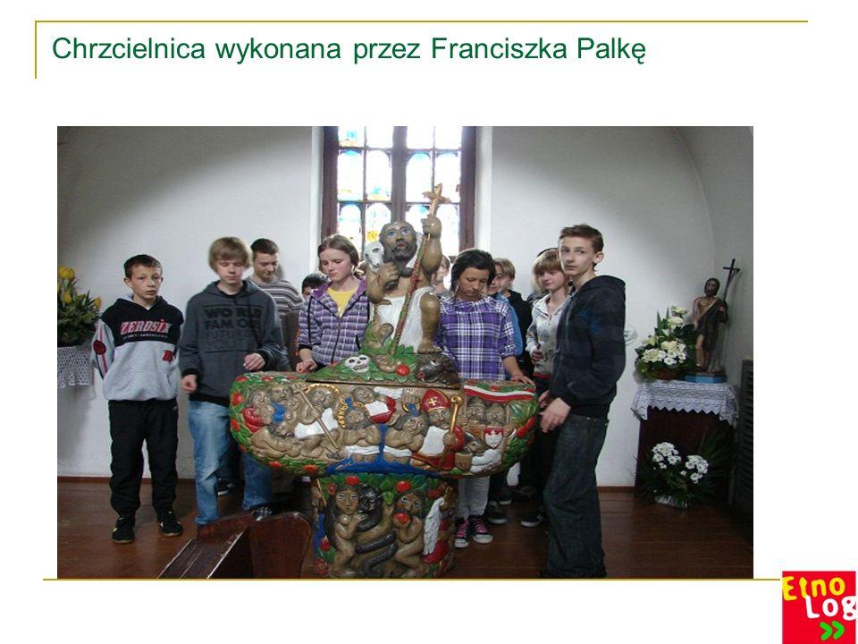 Konfesjonały, paschał, drogę krzyżową wykonał również artysta rzeźbiarz Franciszek Palka.