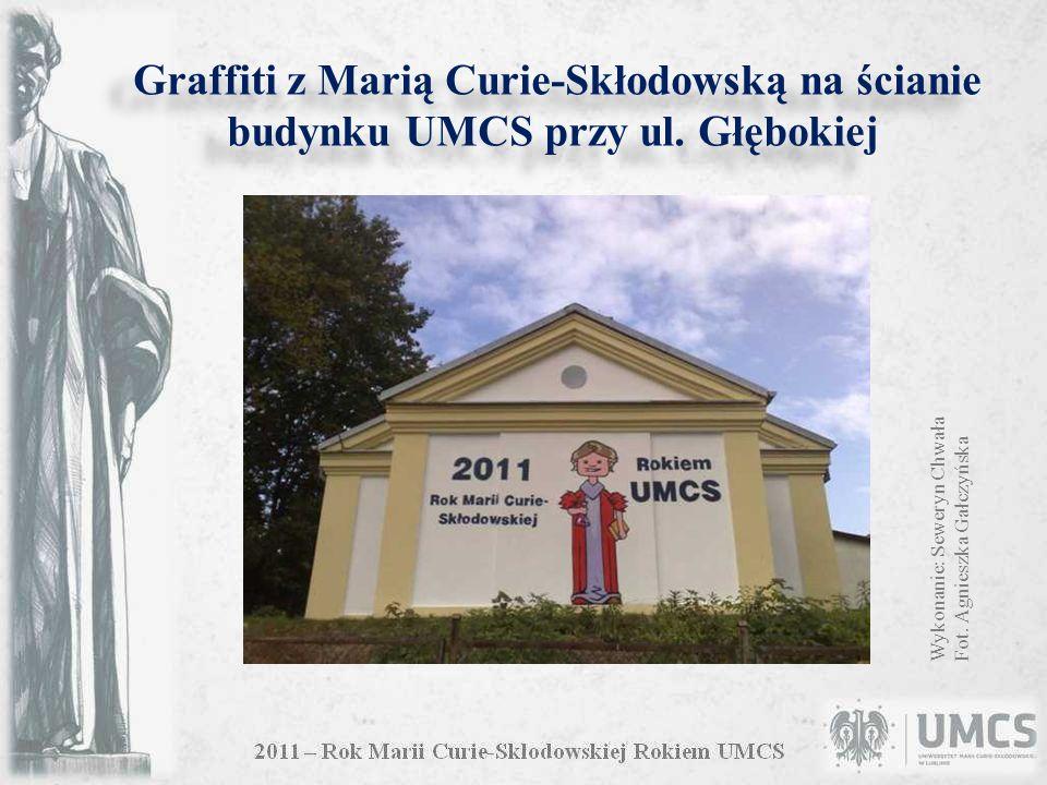 Graffiti z Marią Curie-Skłodowską na ścianie budynku UMCS przy ul.