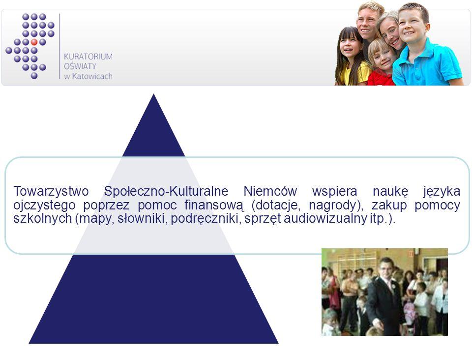 Towarzystwo Społeczno-Kulturalne Niemców wspiera naukę języka ojczystego poprzez pomoc finansową (dotacje, nagrody), zakup pomocy szkolnych (mapy, sło