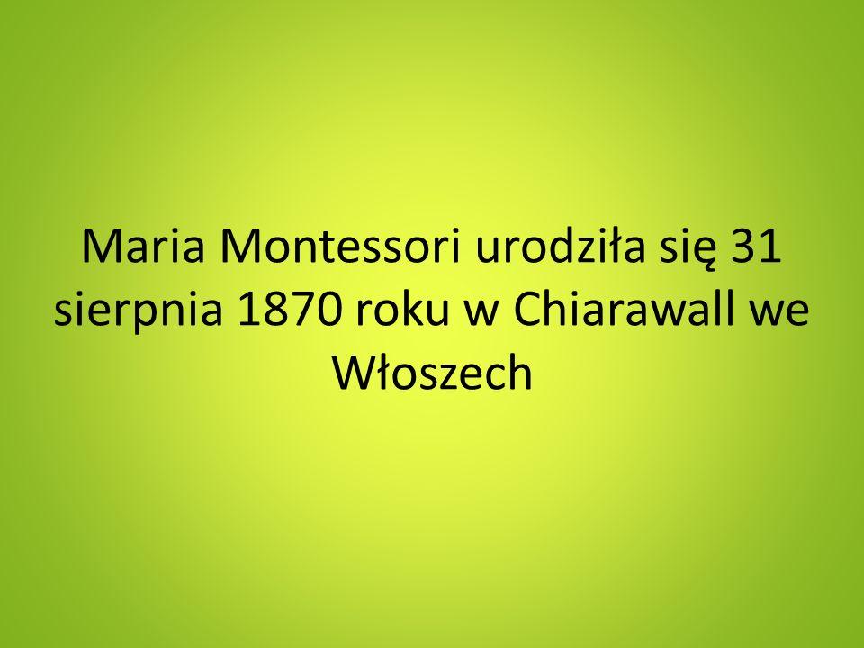 Montessori jeszcze za życia otrzymała na swą pracę pedagogiczną błogosławieństwa papieży: Piusa X i Benedykta XV oraz uzyskała imprimatur na prace poświęcone wychowaniu religijnemu.