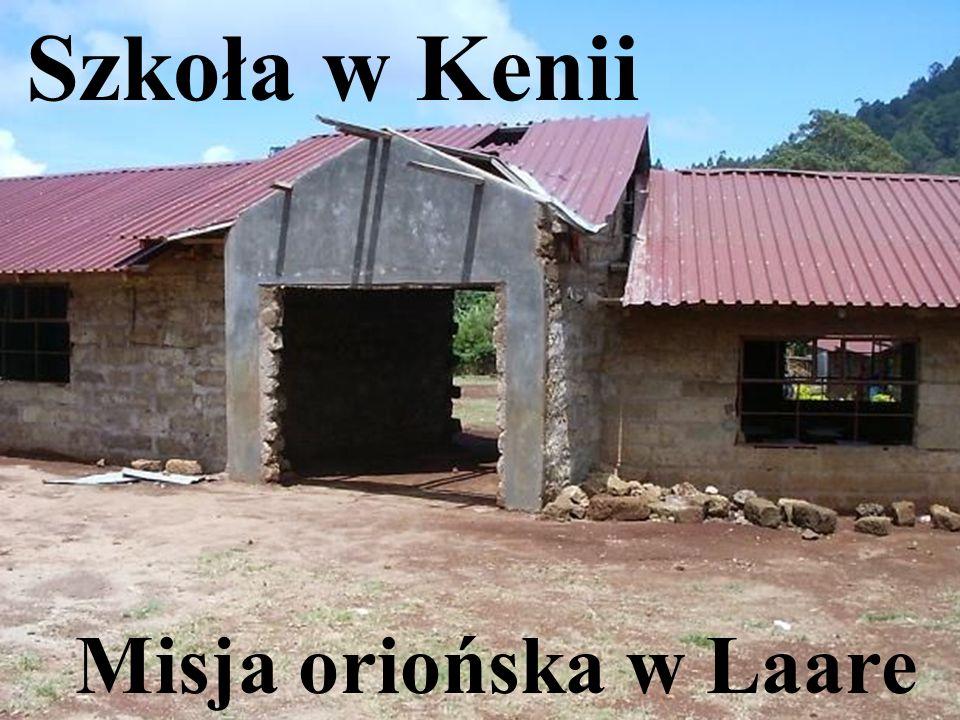 jest w surowym stanie - brakuje okien, drzwi i podłogi. Budynek szkoły w Laare