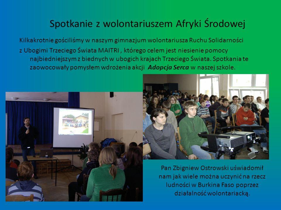 Praca Kamila Matejkowskiego zatytułowana Aromat Sprawiedliwego Handlu zdobyła pierwsze miejsce w kategorii wiekowej młodzieży powyżej 15 lat, w I etapie konkursu Cały świat tuż obok mnie.