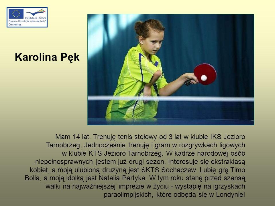 Mam 14 lat. Trenuję tenis stołowy od 3 lat w klubie IKS Jezioro Tarnobrzeg. Jednocześnie trenuję i gram w rozgrywkach ligowych w klubie KTS Jezioro Ta