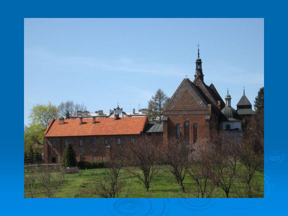 Na początku XVII w.kościół uzyskał elementy barokowe.