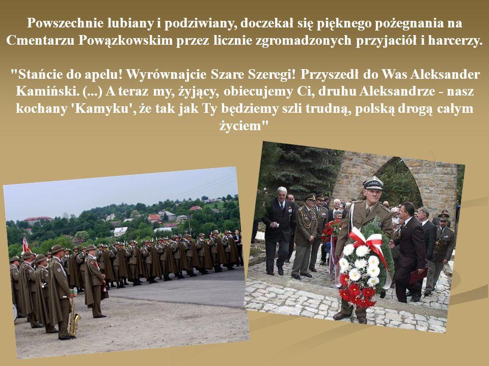 Powszechnie lubiany i podziwiany, doczekał się pięknego pożegnania na Cmentarzu Powązkowskim przez licznie zgromadzonych przyjaciół i harcerzy.