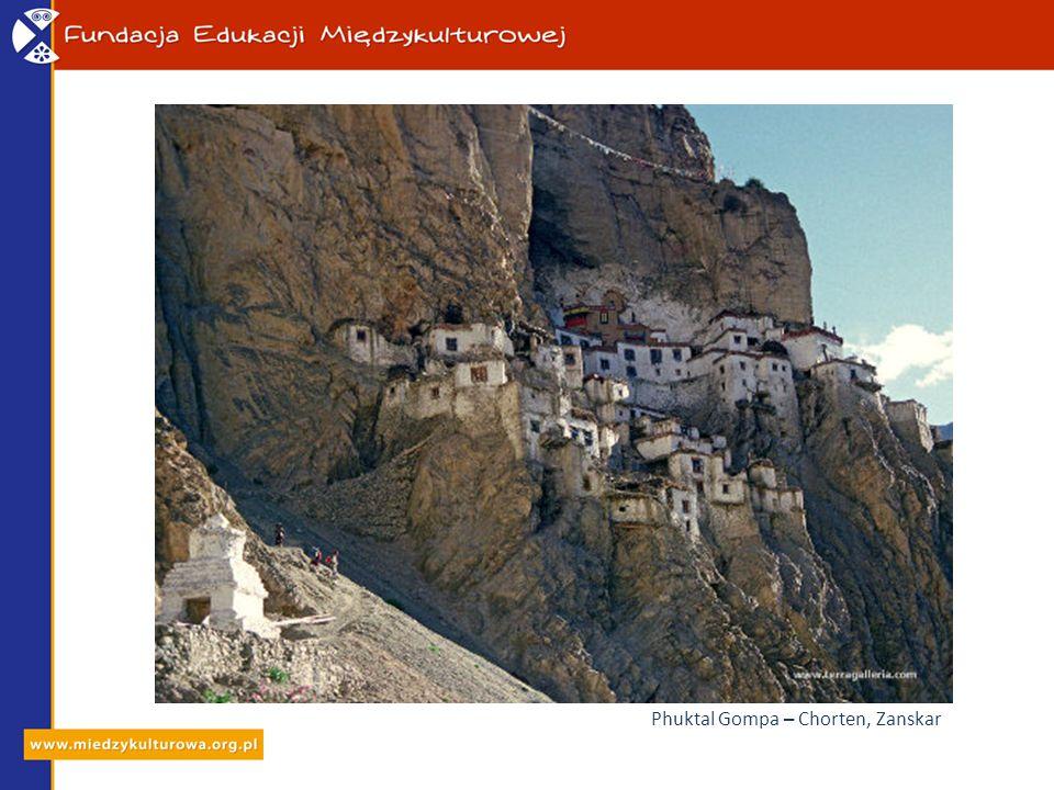 Phuktal Gompa – Chorten, Zanskar
