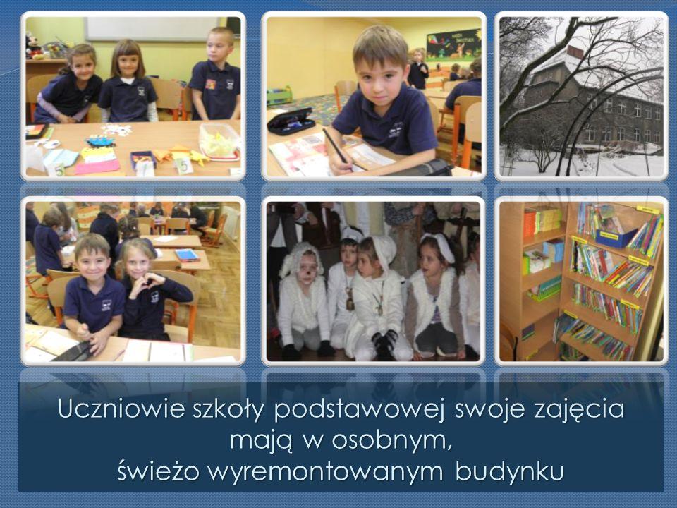 Uczniowie szkoły podstawowej swoje zajęcia mają w osobnym, świeżo wyremontowanym budynku
