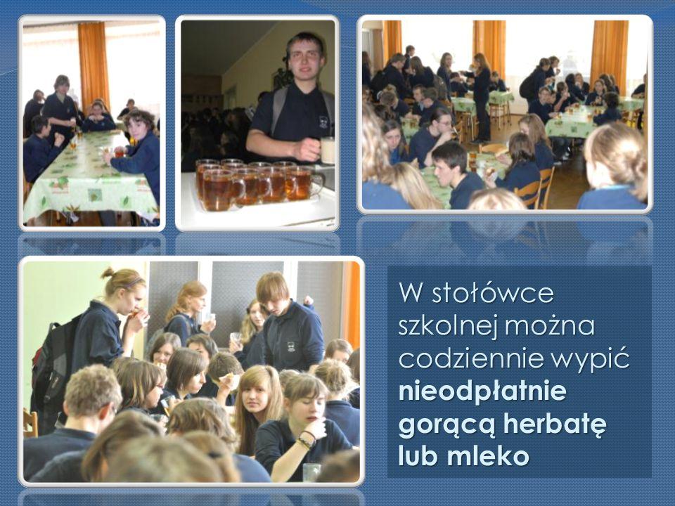W stołówce szkolnej można codziennie wypić nieodpłatnie gorącą herbatę lub mleko