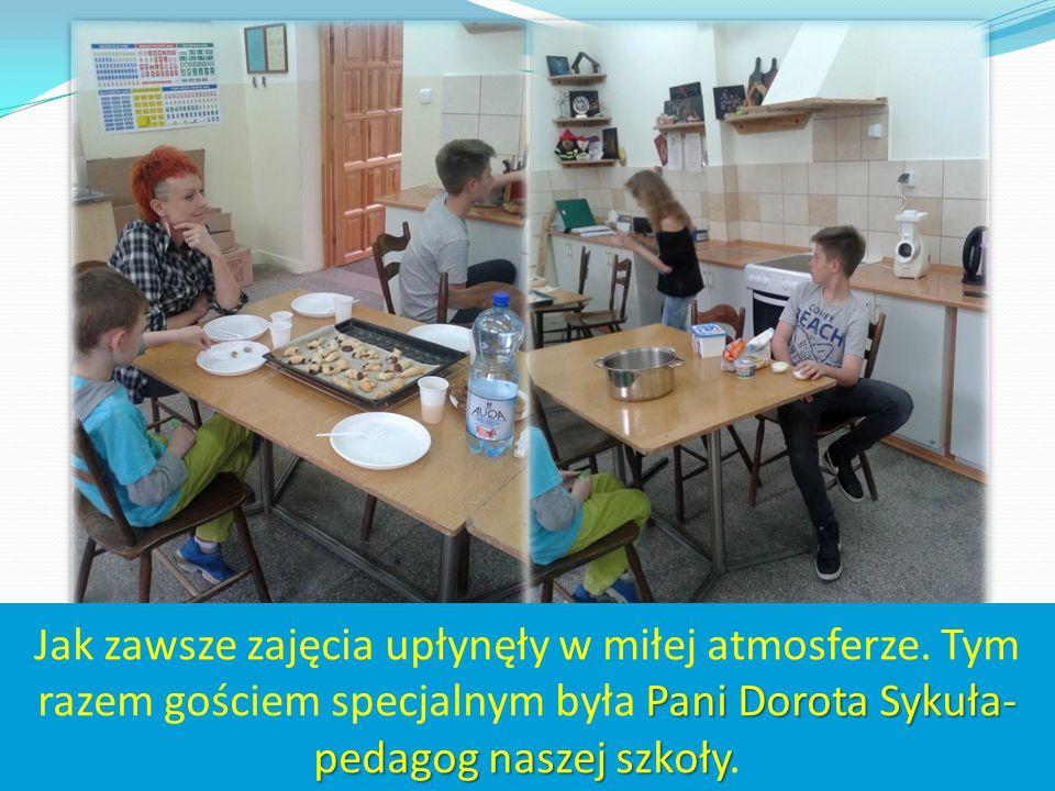 Pani Dorota Sykuła- pedagog naszej szkoły Jak zawsze zajęcia upłynęły w miłej atmosferze. Tym razem gościem specjalnym była Pani Dorota Sykuła- pedago