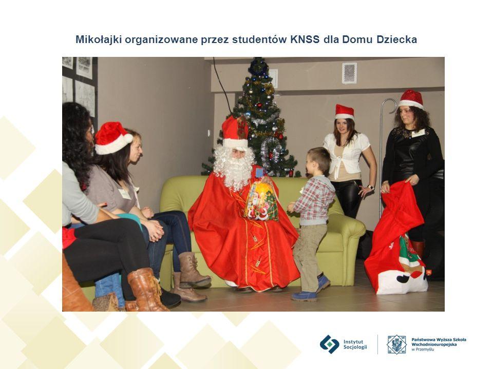 Mikołajki organizowane przez studentów KNSS dla Domu Dziecka