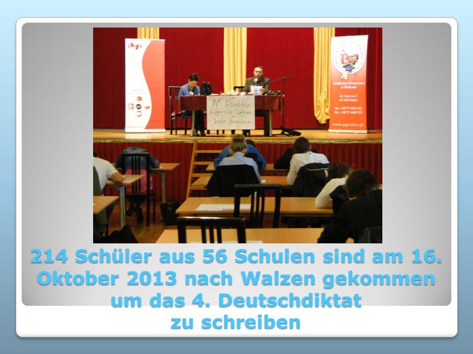 214 Schüler aus 56 Schulen sind am 16. Oktober 2013 nach Walzen gekommen um das 4. Deutschdiktat zu schreiben