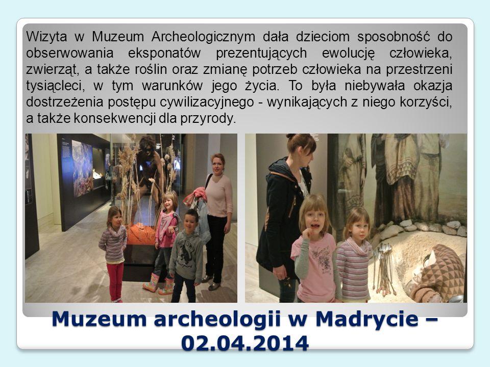 """Wystawa """"Epoka Lodowcowa – 03.04.2014 Dzieci, podczas pobytu w Guadalajarze odwiedziły wystawę, na której poznały gatunki zwierząt, żyjących w epoce lodowcowej."""