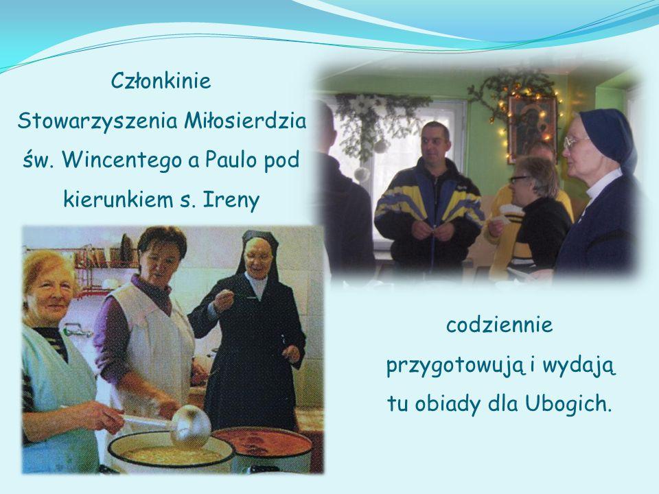 Członkinie Stowarzyszenia Miłosierdzia św.Wincentego a Paulo pod kierunkiem s.