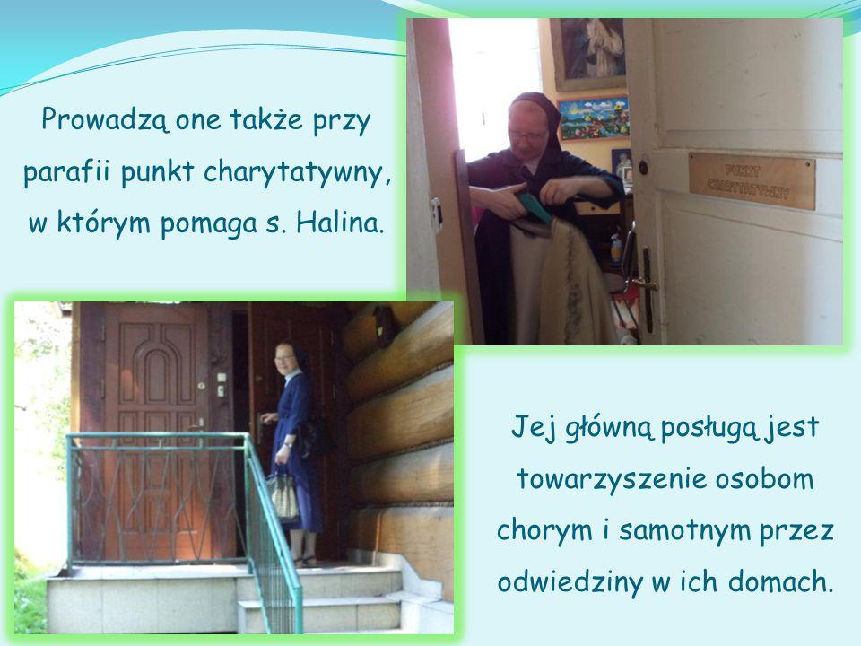 Członkinie Stowarzyszenia Miłosierdzia św. Wincentego a Paulo pod kierunkiem s.