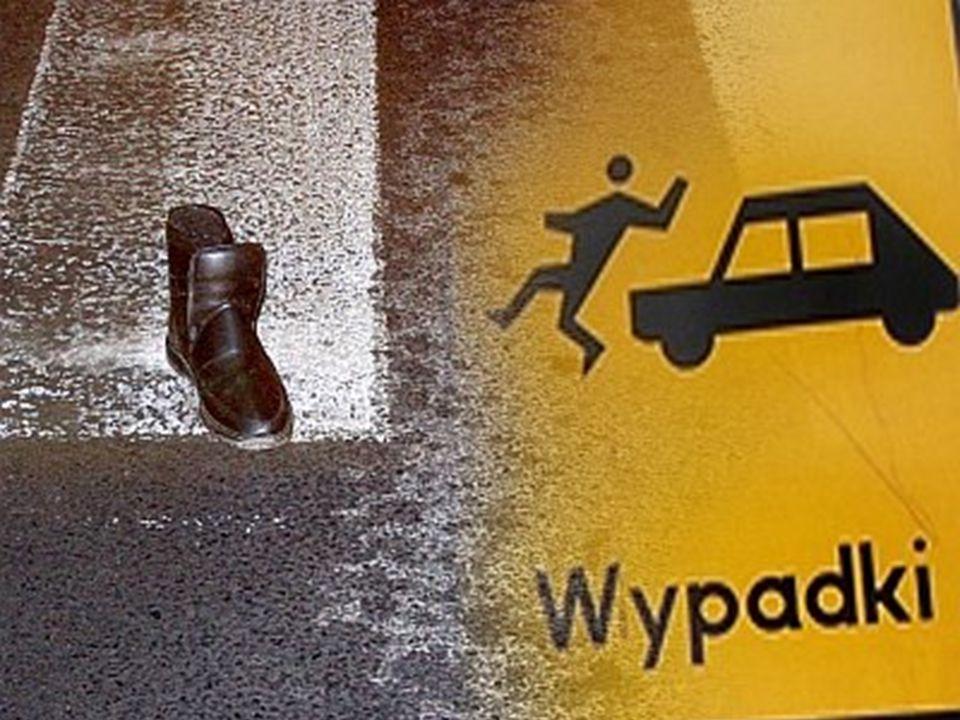 a) Zgodnie z Rozporządzeniem Ministra Infrastruktury z dnia 31 grudnia 2002 r. dotyczącego niezbędnego wyposażenia samochodu, w każdym pojeździe powin