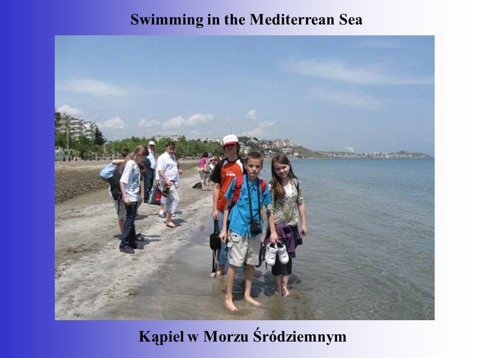 Kąpiel w Morzu Śródziemnym Swimming in the Mediterrean Sea