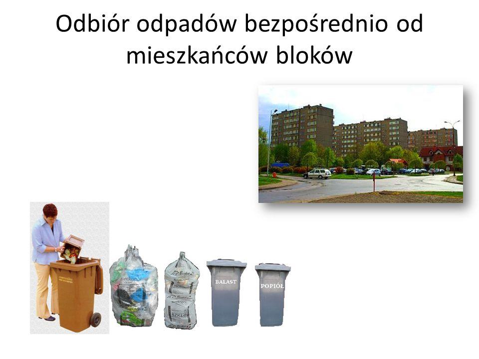 Odbiór odpadów w punkcie selektywnego zbierania odpadów na ul.