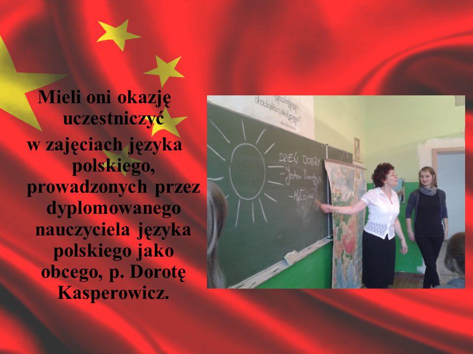 Mieli oni okazję uczestniczyć w zajęciach języka polskiego, prowadzonych przez dyplomowanego nauczyciela języka polskiego jako obcego, p.