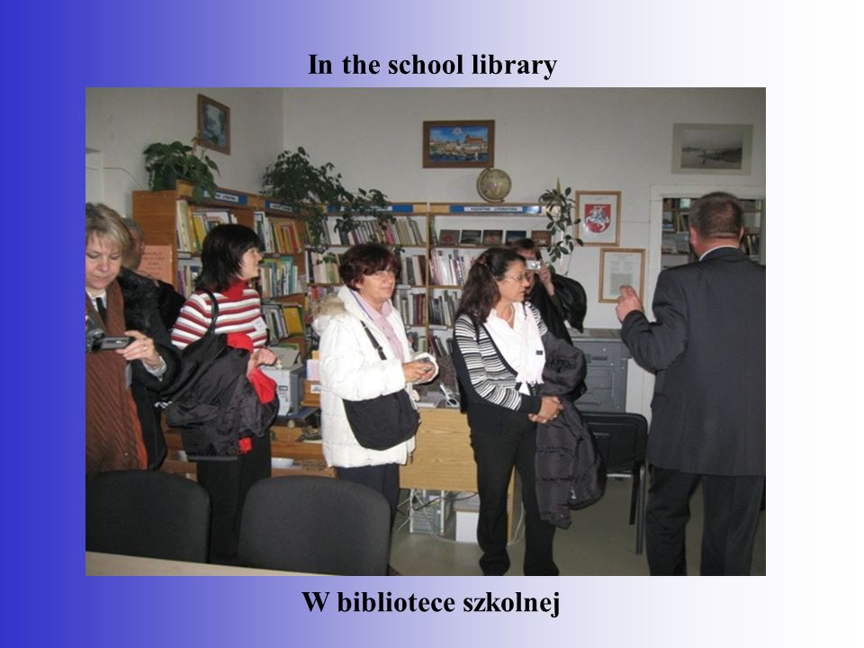 In the school library W bibliotece szkolnej