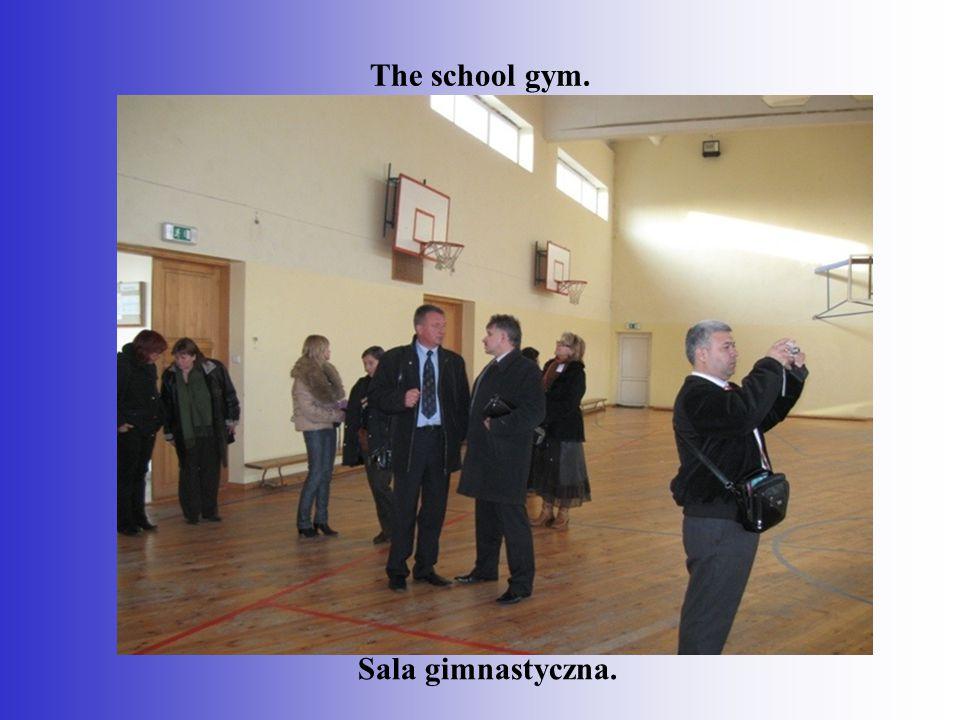 The school gym. Sala gimnastyczna.