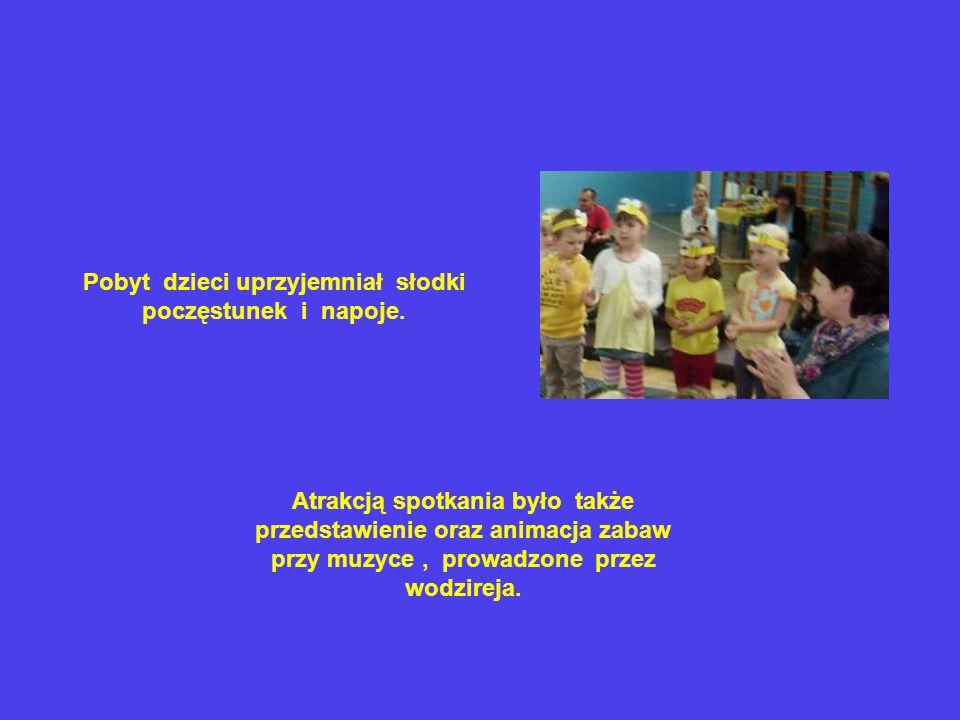 Atrakcją spotkania było także przedstawienie oraz animacja zabaw przy muzyce, prowadzone przez wodzireja.