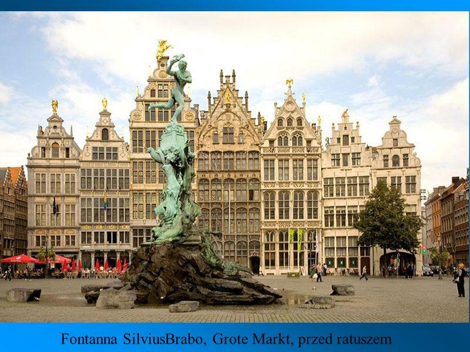Ratusz W 2011 roku miasto to otrzymało tytuł Europejskiej Stolicy Młodzieży
