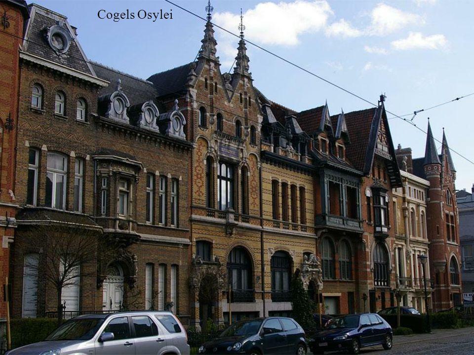 De Zevensterre na reprezentacyjnej ulicy Cogels Osylei