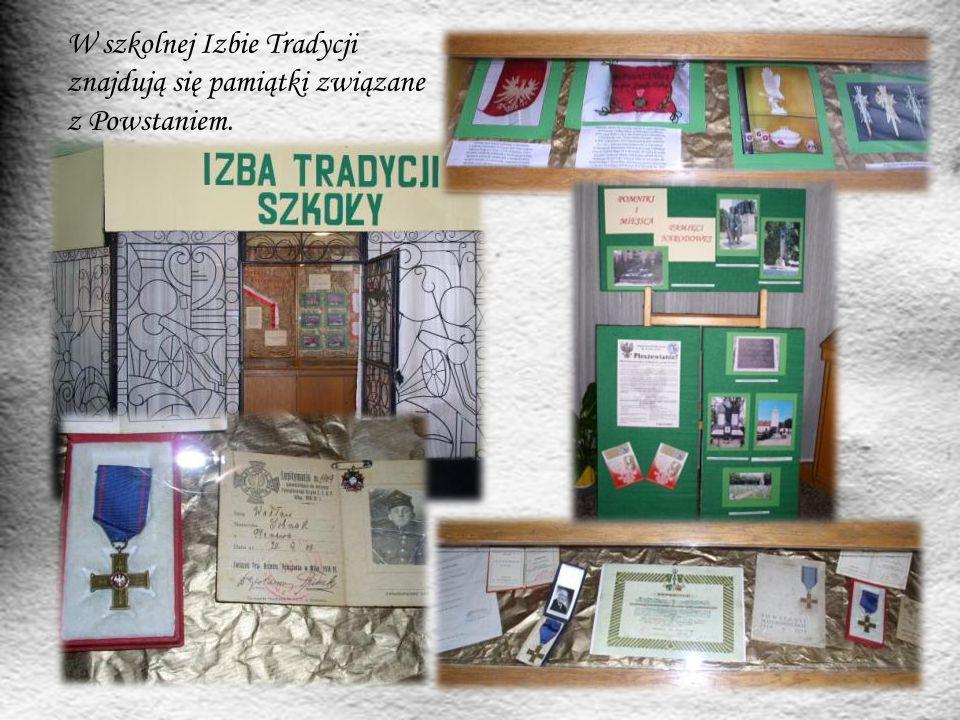 W szkolnej Izbie Tradycji znajdują się pamiątki związane z Powstaniem.
