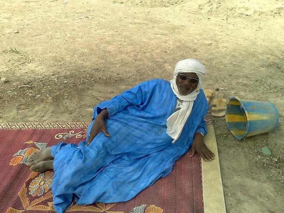 W tej części Afryki islam jest dość popularny, gdyż zezwala na wielożeństwo i toleruje picie piwa z prosa. Dogoni zgodnie z tradycją piją to piwo i ma