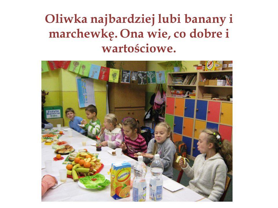 Oliwka najbardziej lubi banany i marchewkę. Ona wie, co dobre i wartościowe.