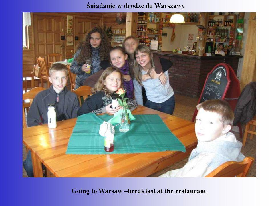 śniadanie Going to Warsaw –breakfast at the restaurant Śniadanie w drodze do Warszawy Going to Warsaw –breakfast at the restaurant