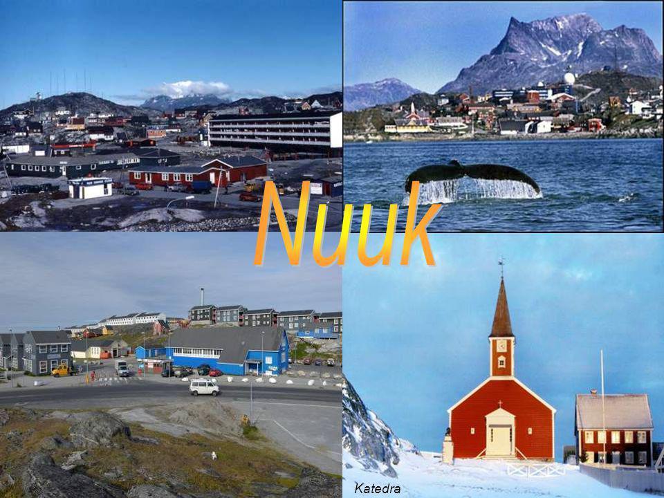 Flaga Grenlandii składa się z dwóch pasów. Biały na górze, reprezentuje lodowce i pokrywy śnieżne.Czerwony ocean. Czerwone półkole fiordy, a białe gór