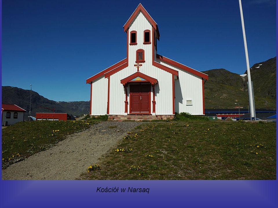 Miasteczko na południu Grenlandii. Według danych szacunkowych na rok 2008 liczy 1637 mieszkańców