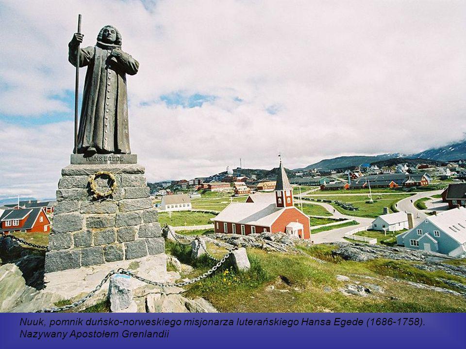 Nuuk, pomnik duńsko-norweskiego misjonarza luterańskiego Hansa Egede (1686-1758).