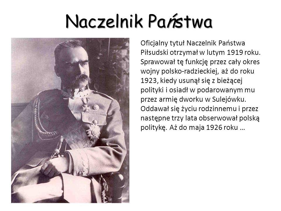 Bitwa Warszawska Kluczową rolę odegrał manewr Wojska Polskiego oskrzydlający Armię Czerwoną przeprowadzony przez Naczelnego Wodza Józefa Piłsudskiego, wyprowadzony znad Wieprza 16 sierpnia, przy jednoczesnym związaniu głównych sił bolszewickich na przedpolach Warszawy.