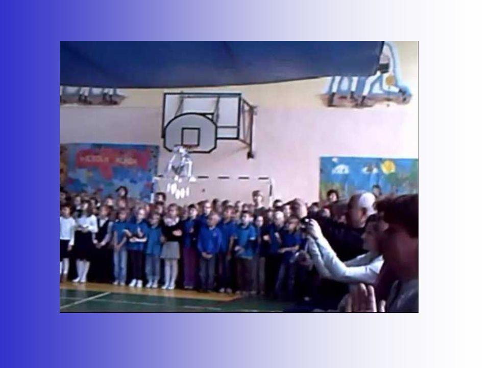 Występy gościnne (stroje, pieśni i tańce narodowe) przedstawicieli szkół partnerskich podczas VI edycji Międzynarodowego Festiwalu Z piosenką po Europie
