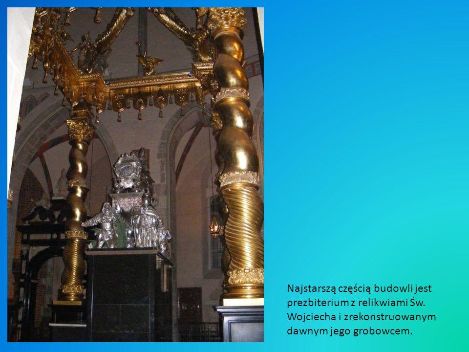Drzwi gnieźnienskie Otto wręcza pastorał Wojciechowi