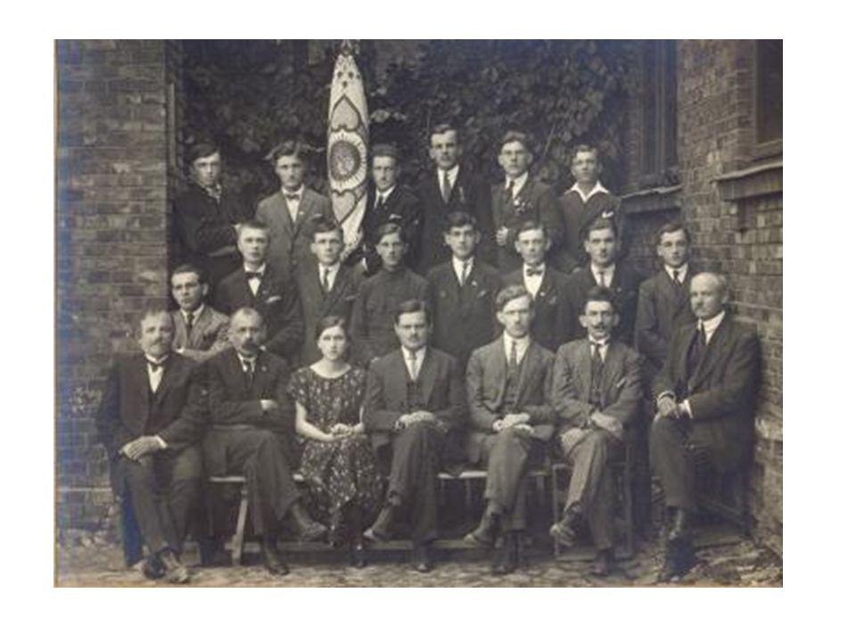 Inż. Stanisław Bac objął kierownictwo nad najstarszą szkołą średnią w naszym mieście 13 września 1916 roku Szkoła otworzyła swoje podwoje.