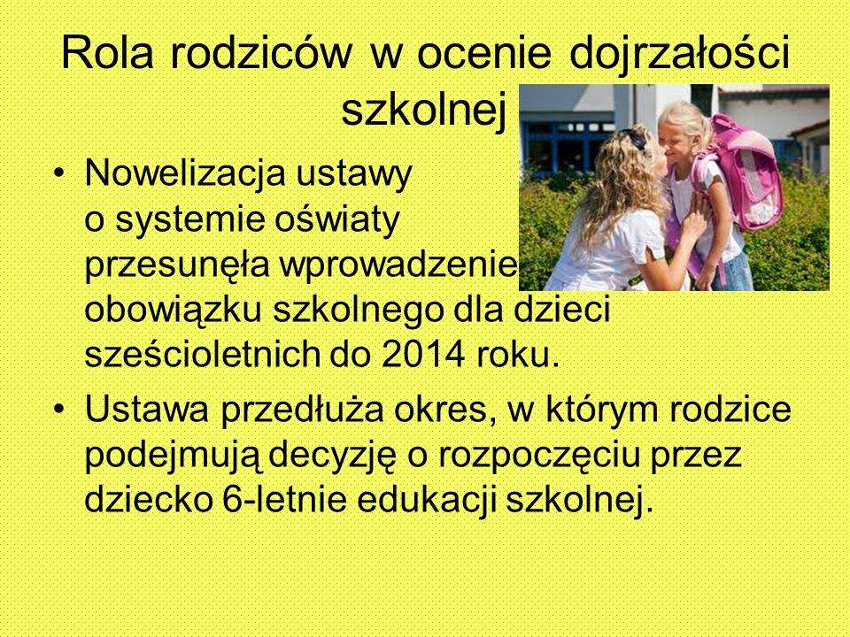 Przykładowe różnice między nauką w przedszkolu i szkole 6-latek w przedszkolu:6-latek w I klasie uczy się: – wszystkich liter alfabetu; - rozwija sprawność rąk (rysuje, wycina, lepi z plasteliny) – przygotowuje się do nauki pisania; – pisać proste, krótkie zdania; – słucha bajek, wierszy, opowiadań – rozwija swoje zainteresowania czytaniem i pisaniem; – czytać krótkie teksty; – dzieli zdania na wyrazy, wyrazy na sylaby, wyodrębnia głoski w wyrazach o prostej budowie; – rozróżniać pojęcia: wyraz, głoska, litera, sylaba, zdanie oraz posługiwać się nimi;