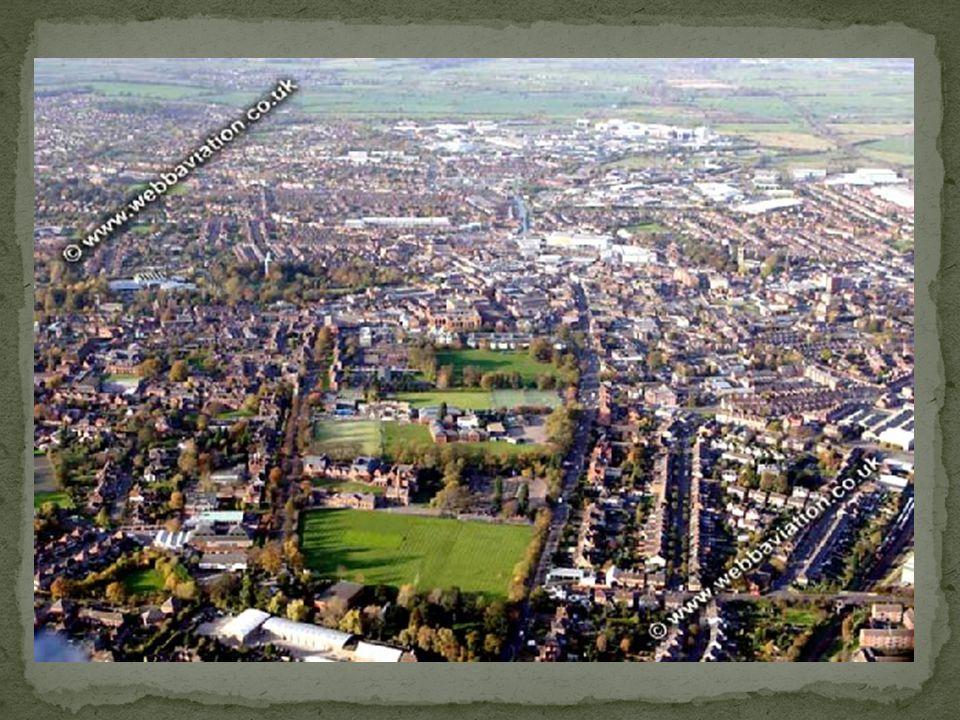 Stanowi również ważny ośrodek sportowy, posiada drużyny grające w rugby, piłkę nożną, football amerykański, netball oraz krykiet
