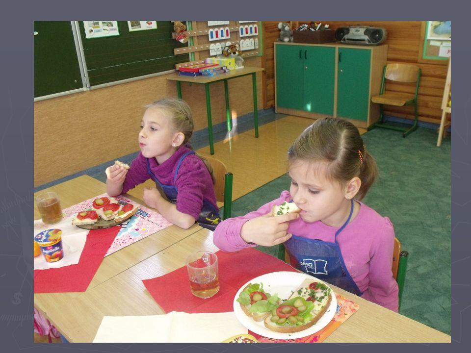 II Śniadanie – uczniowski obowiązek ►N►N►N►Niewłaściwe odżywienie powoduje problemy ze zdrowiem, osłabienie i w konsekwencji słabsze wyniki w nauce.