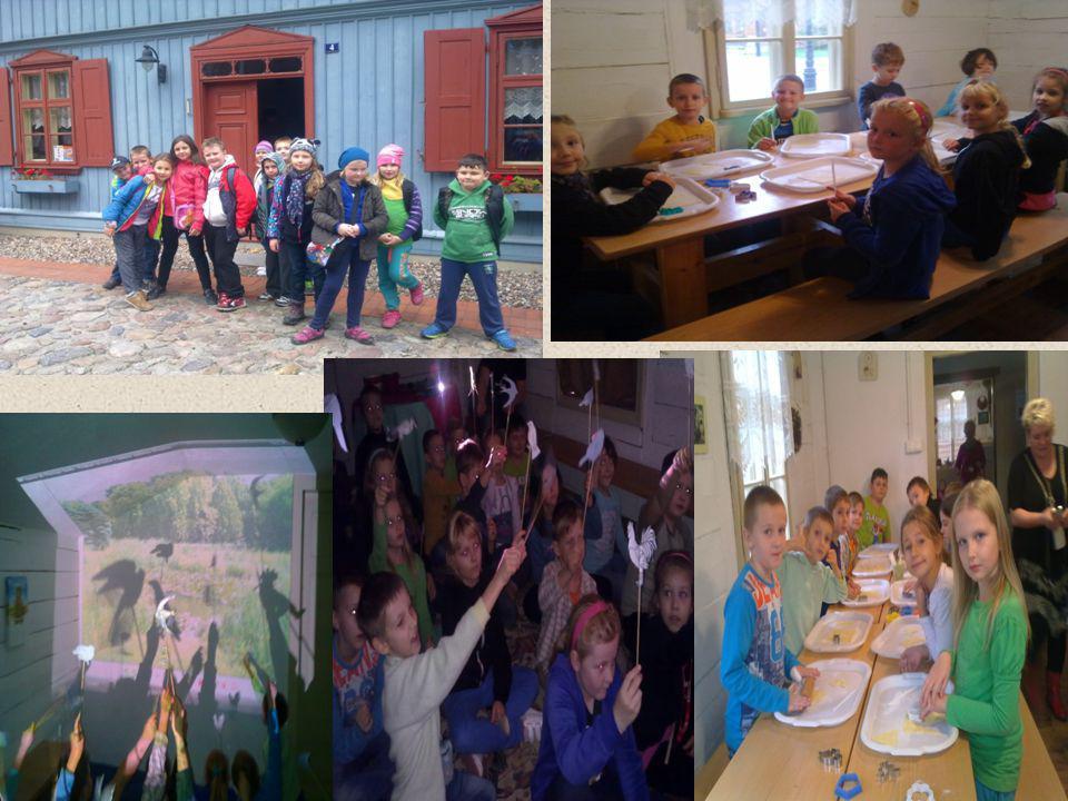 Podczas wycieczki nie zabrakło też dobrej zabawy. Uczestniczyliśmy w warsztatach w Skansenie Łódzkiej Architektury Drewnianej, który znajduje się przy