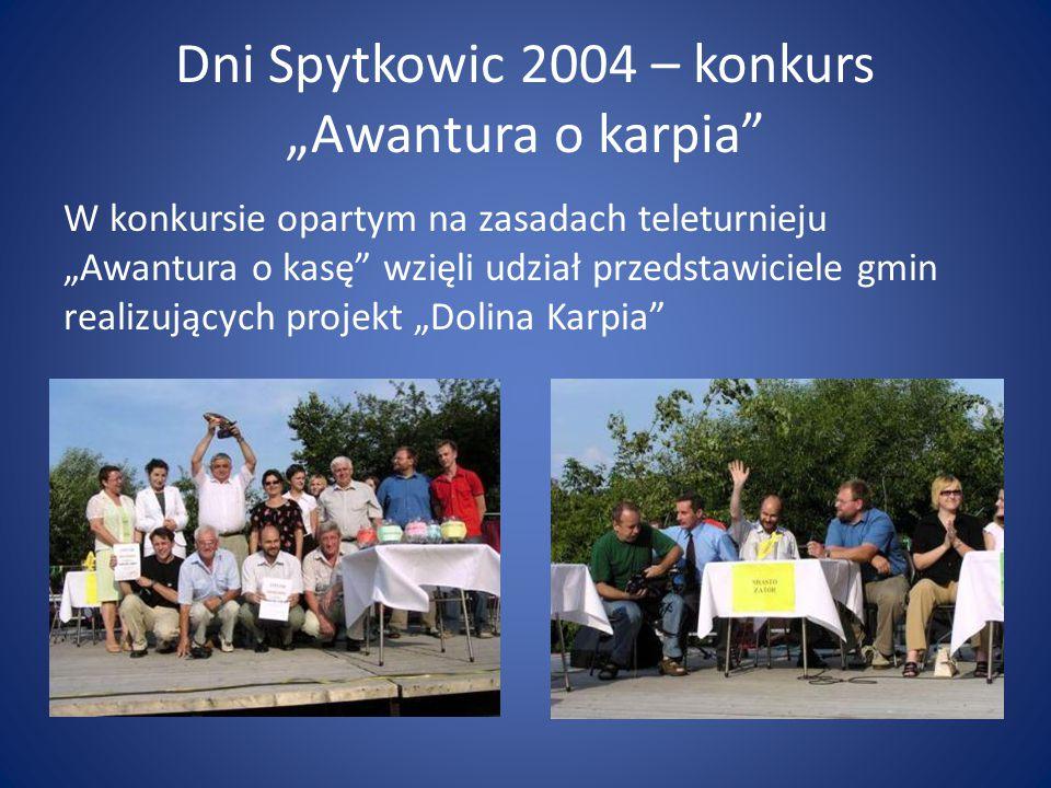 """Dni Spytkowic 2004 – konkurs """"Awantura o karpia"""" W konkursie opartym na zasadach teleturnieju """"Awantura o kasę"""" wzięli udział przedstawiciele gmin rea"""