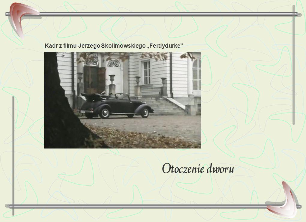 """Otoczenie dworu Kadr z filmu Jerzego Skolimowskiego """"Ferdydurke"""""""