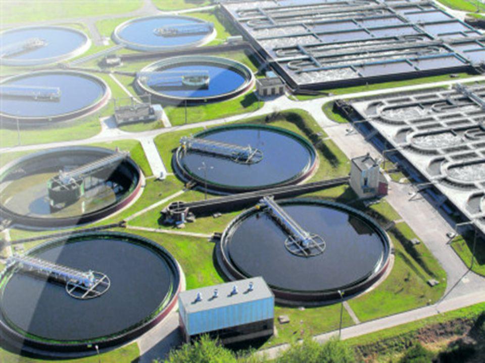 Od roku 1994 w Polsce zainstalowano 20 biogazowni w miejskich oczyszczalniach ścieków, między innymi w: Olsztynie (2x200kWel, 2190 kWth), Siedlcach (200kW z blokiem ciepła), Opolu (2x200kW), Inowrocławiu (2x160kW z blokiem ciepła), Bielsko-Białej (240kWel, 400 kWth), Zamościu (1200kWel + 1200kWth), Świnoujściu (2x180kWel, 2x338 kWth, kocioł grzewczy 1020 kW), Sitkówce k.Kielc (2x404 kWel, 2x510 kWth), itp.