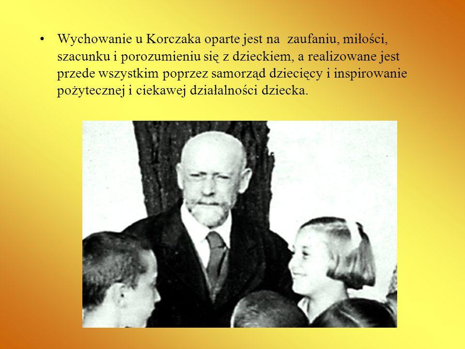 Wychowanie u Korczaka oparte jest na zaufaniu, miłości, szacunku i porozumieniu się z dzieckiem, a realizowane jest przede wszystkim poprzez samorząd