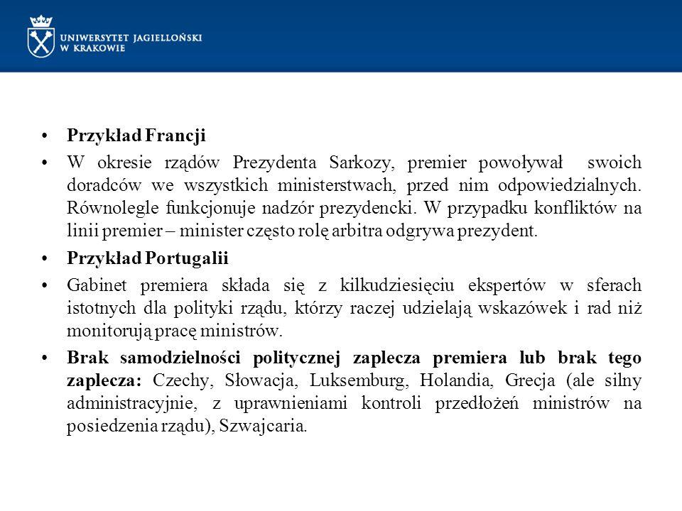 Przykład Islandii W związku z kryzysem finansowym biuro szefa rządu składa się z 5 osób (m.in.